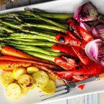 Plat de légumes grillés