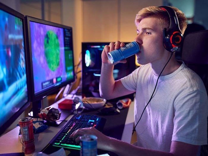 Les boissons énergisantes font partie des pires boissons pour s'hydrater.