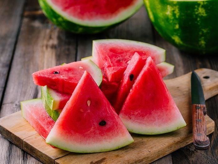 Le melon d'eau est l'une des meilleures boissons pour s'hydrater.