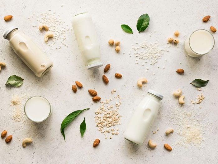 Le lait végétal est l'une des meilleures boissons pour s'hydrater.