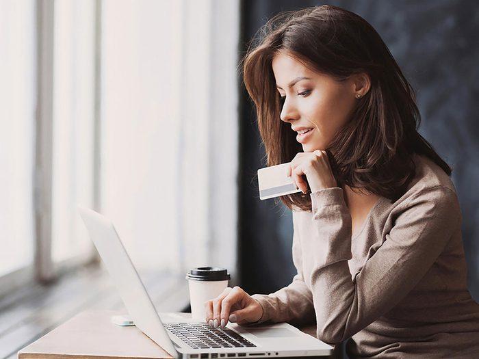 Ne jamais utiliser sa carte de crédit quand une compagnie de vente en ligne n'a ni commentaires ni recommandations.