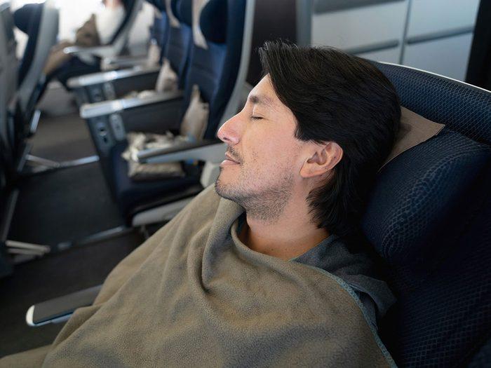 Les ouvertures ne font pas partie des choses gratuites à demander dans l'avion.