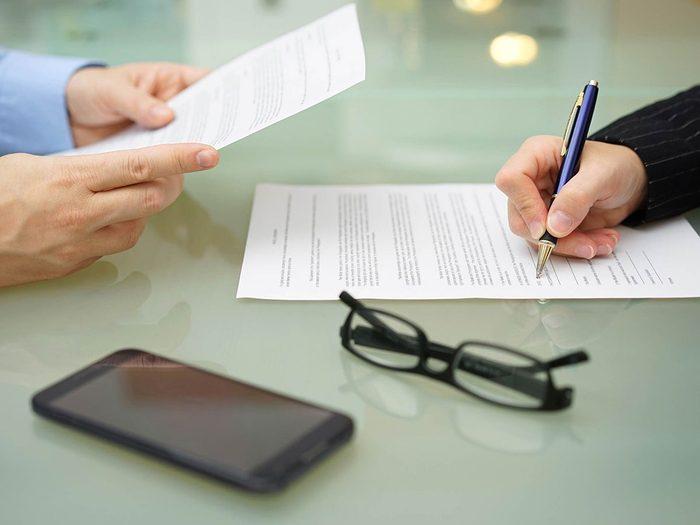 Économiser de l'argent avec une assurance-vie temporaire.