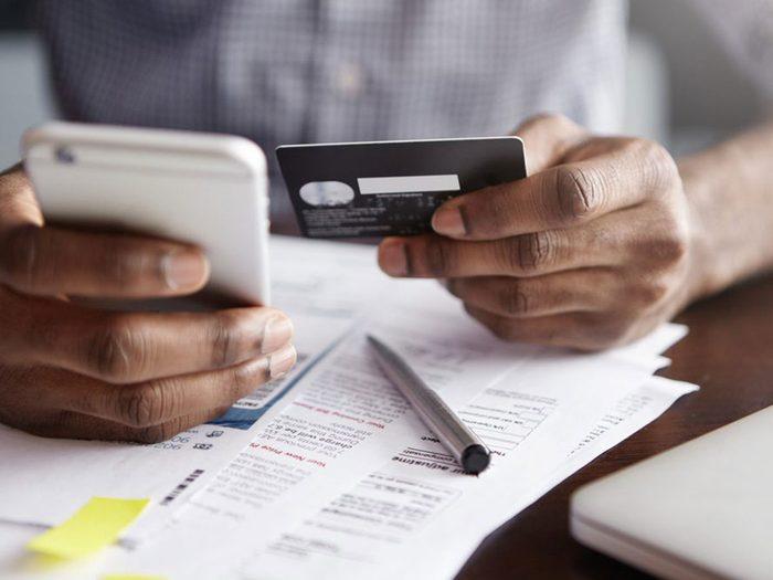Les frais cachés de transfert de carte de crédit.
