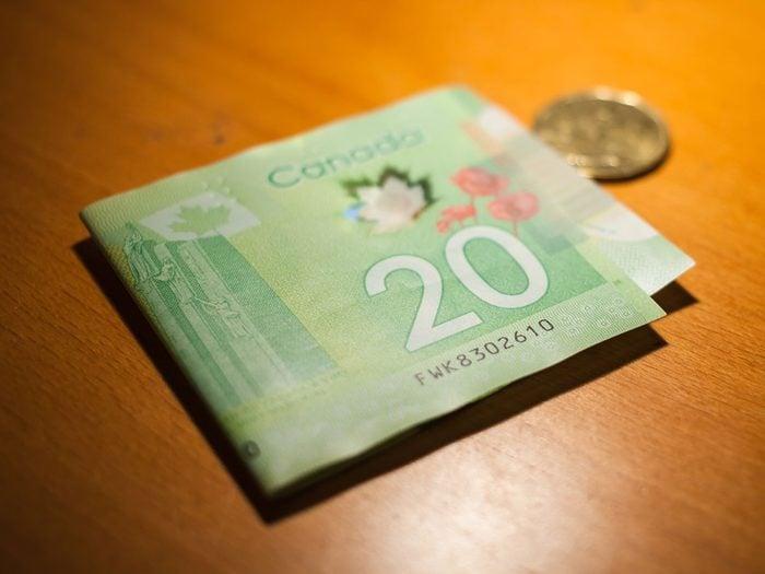 Voici 20 frais cachés que vous payez sans le savoir.
