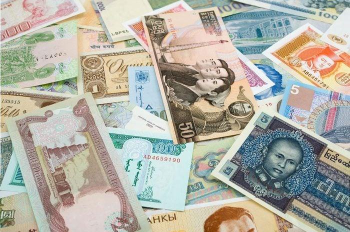 Frais cachés de transaction à l'étranger.