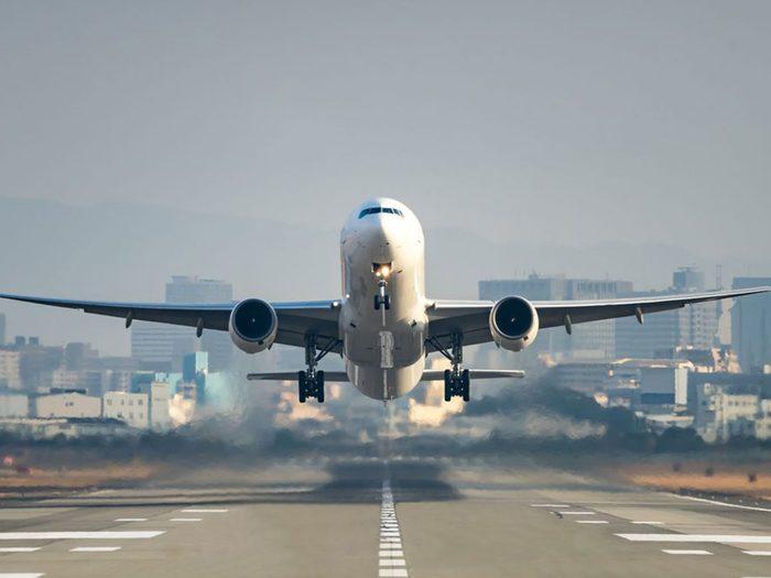 Les frais cachés des compagnies aériennes.