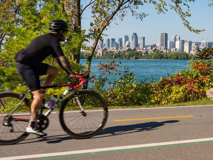 Le Week-end pour combattre le cancer: la marche ou le vélo pour une bonne cause.