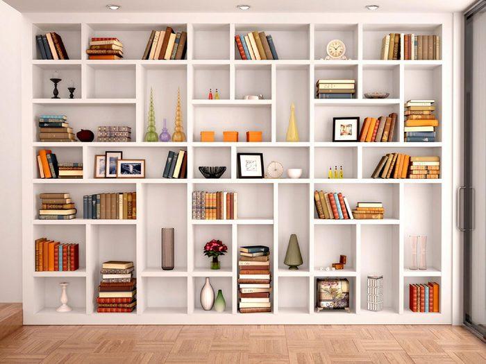 Opter pour des étagères ouvertes pourrait être l'une des rénovations que vous regretterez probablement plus tard.