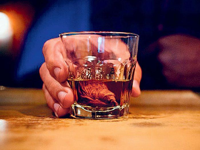 Le Sourtoe Cocktail fait partie des trésors cachés à découvrir au Canada.