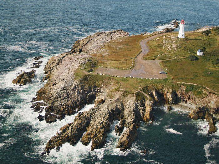 Pollett's Cove sur la pointe nord de l'île du Cap-Breton fait partie des trésors cachés à découvrir au Canada.