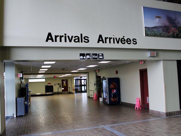 Il fallait trouver en endroit pour accueillir les passagers des vols détournés suite aux attentats du 11 septembre 2001.