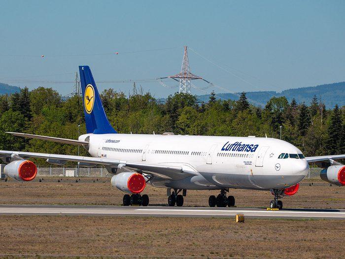 Le samedi après les attentats du 11 septembre 2001, le vol 400 de la Lufthansa reçut l'autorisation de décoller vers New York.