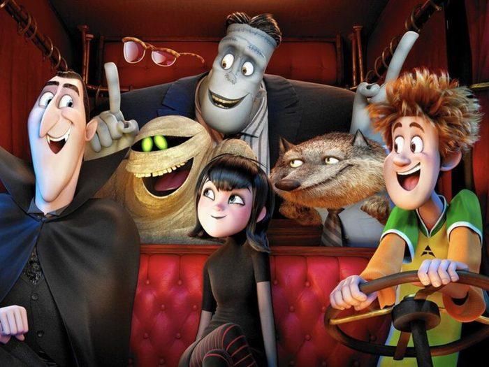 Hôtel Transylvanie: Changements monstres est l'un des films à voir au cinéma avec les enfants.