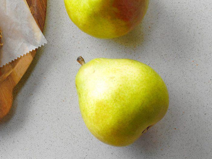 Comment laver les fruits et légumes qui contiennent le plus de pesticides tels que les poires?