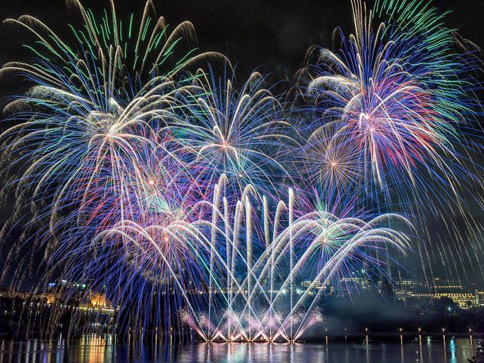 Les Grands Feux du Lac-Leamy font partie des festivals et évènements à ne pas manquer cet été au Québec!