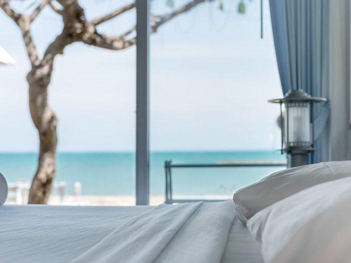 «Pouvons-nous avoir une chambre avec vue sur la mer?» est l'une des questions à ne jamais poser au personnel de l'hôtel.