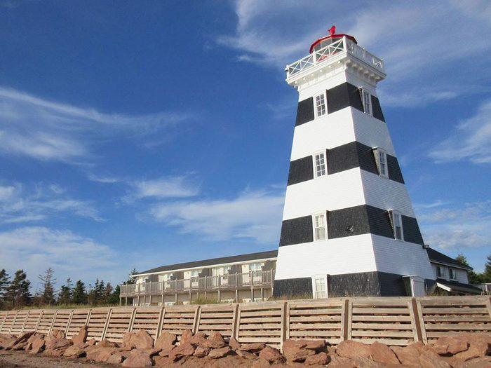 Passez la nuit dans un hôtel insolite en choisissant ce phare du 19e siècle.