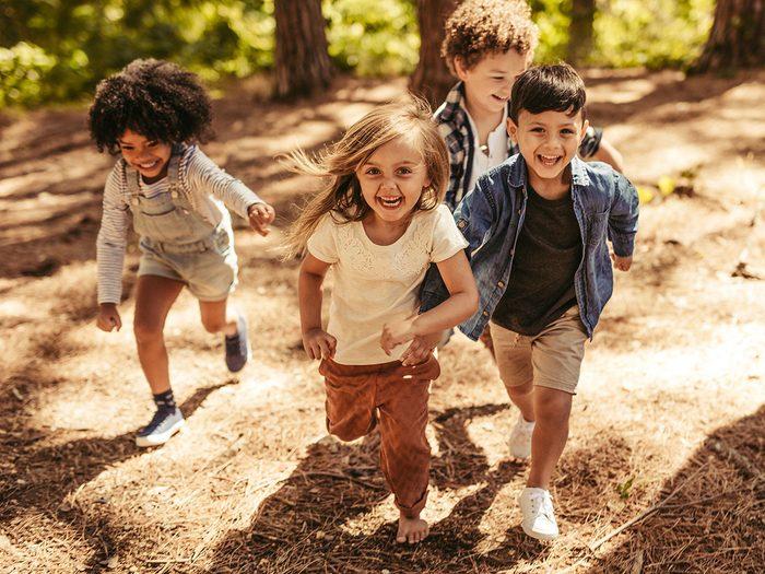 La tague de l'hôpital fait partie des meilleurs jeux de plein air pour divertir les enfants tout l'été.