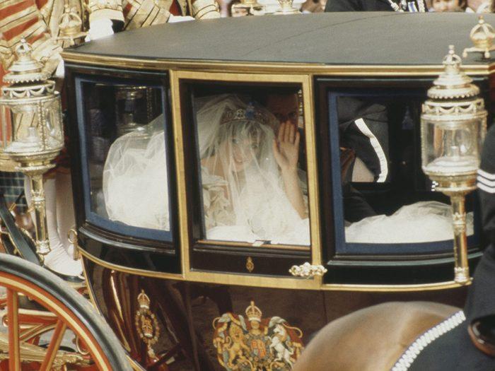 Les cortèges du mariage de la princesse Diana et du prince Charles.