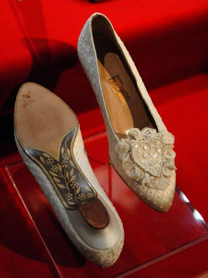 Les escarpins portés lors du mariage de la princesse Diana et du prince Charles.