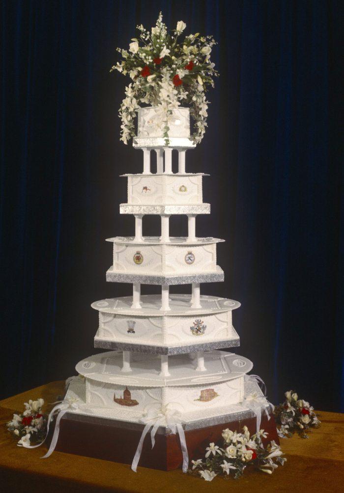 Les gâteaux de mariage de la princesse Diana et du prince Charles.