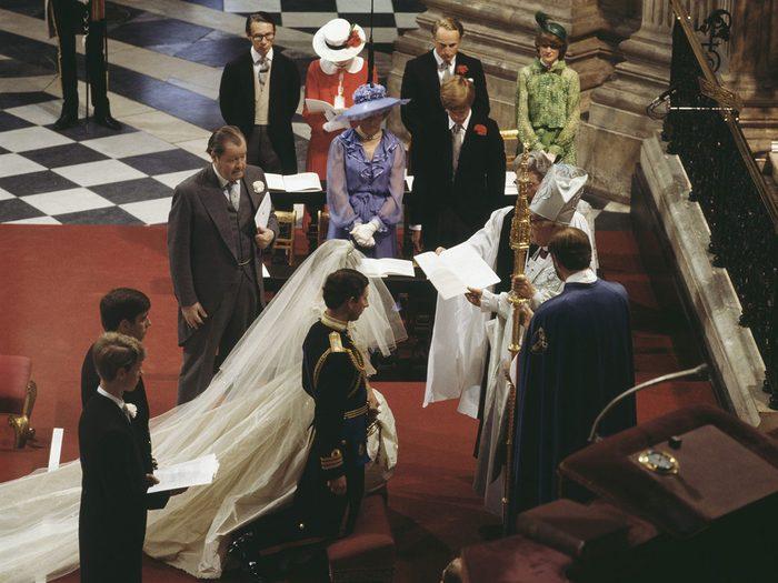Le mariage de la princesse Diana et du prince Charles a fait perdre le sang-froid des mariés.