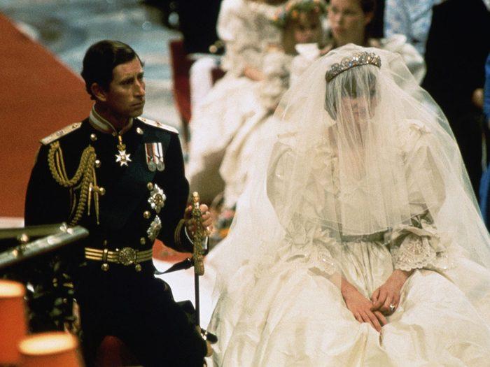 Les vœux de mariage de la princesse Diana et du prince Charles.