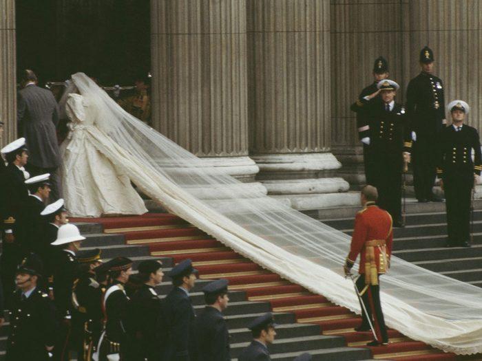 Le voile du mariage de la princesse Diana et du prince Charles.
