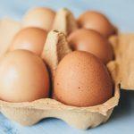 Vos œufs sont tachés ou bosselés? Voilà ce que cela signifie