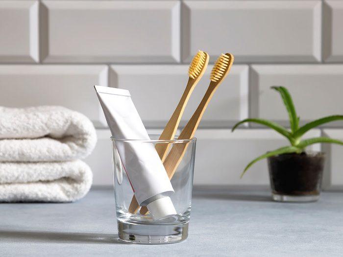 Comment régler le problème de brosse à dents à désinfecter?