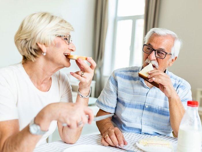 Signes d'une relation à sens unique: les besoins de votre partenaire dominent les vôtres.