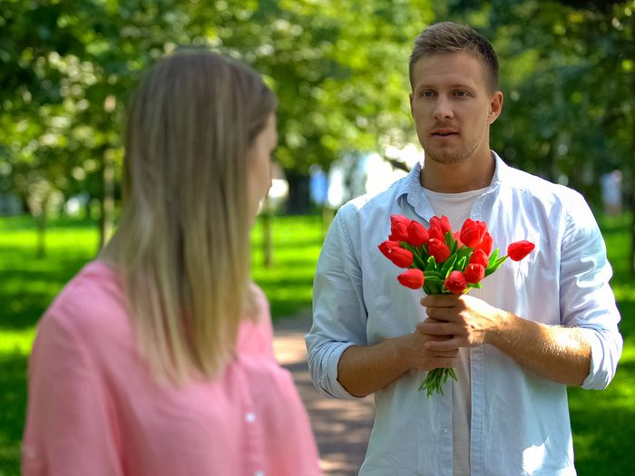 Signes d'une relation à sens unique: vous ne savez plus quel rôle vous jouez.