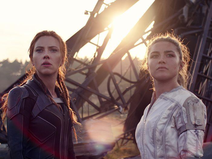 Des filles d'action avec Scarlett Johansson dans Black Widow.