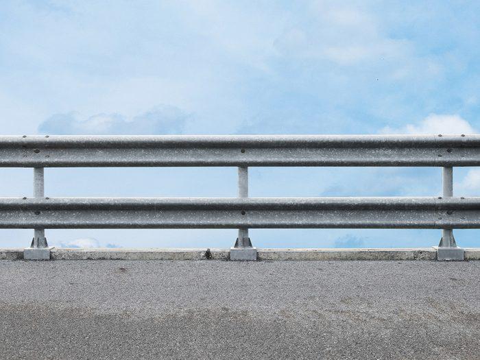 Générosité: un conducteur sauve une vie.