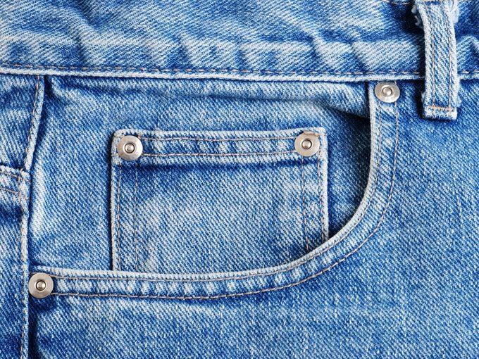 Voici la raison d'être de la petite poche du jean.