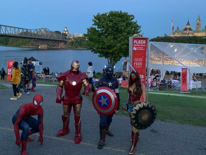 Des Superhéros étaient présents pour les Grands Feux du Casino.