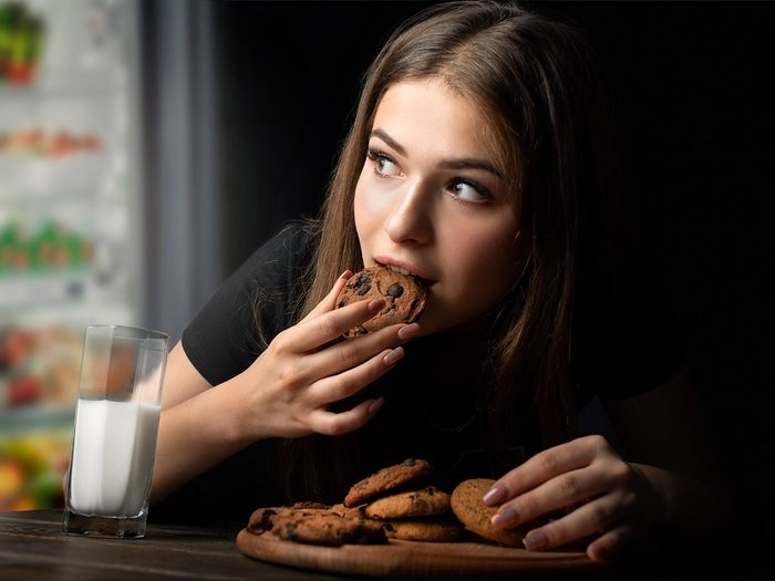 Certaines personnes ont réellement besoin de manger avant de se coucher.