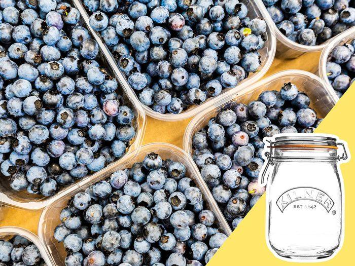 Acheter des produits hors-saison fait partie des mauvaises habitudes alimentaires qui coûtent cher.