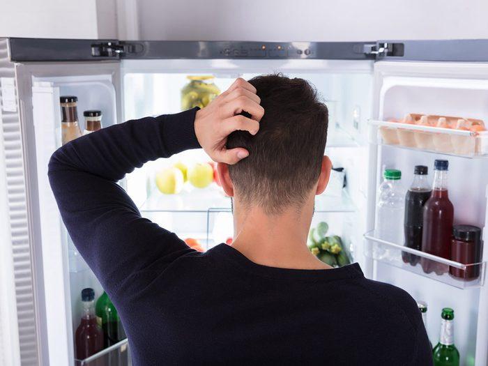 Nettoyage du frigo: les aliments qu'il faut jeter.