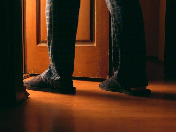 Uriner souvent la nuit peut révéler plusieurs faits sur votre santé.