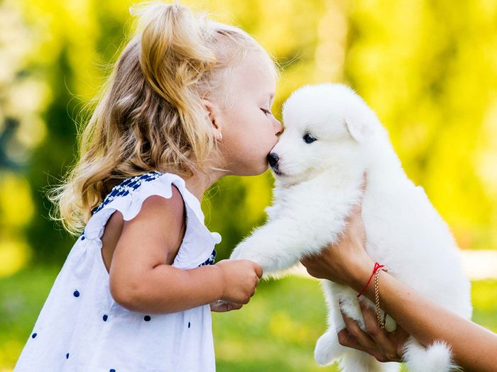 Adopter un chien de refuge c'est aussi savoir qu'il sera adorable et aimant.