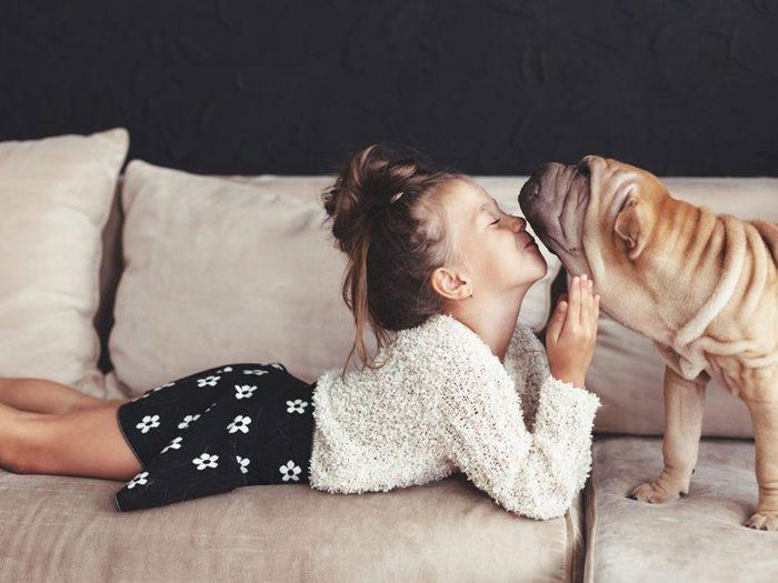 Adopter un chien de refuge c'est aussi savoir qu'il ne souhaite pas rencontrer tout le monde en même temps.