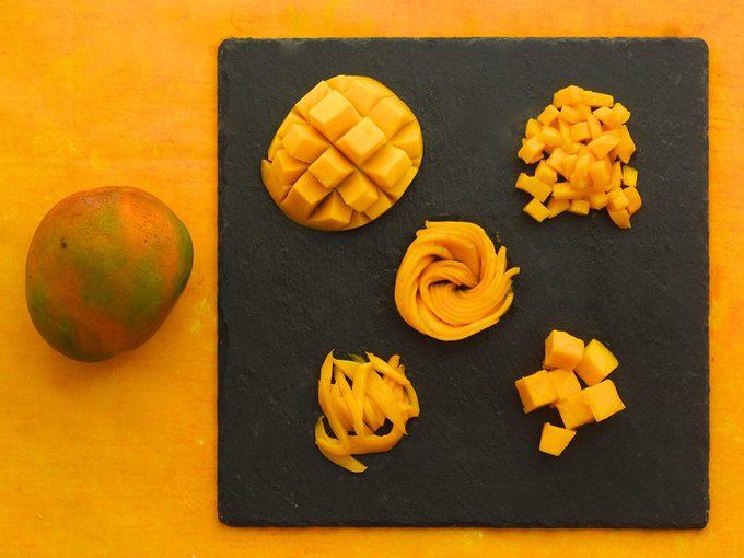 Il existe au moins 5 façons différentes de couper une mangue.