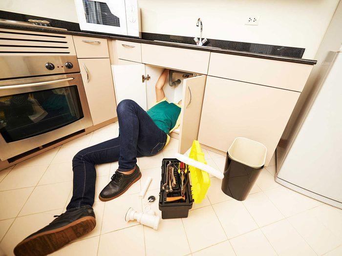 Entretien de la maison: cherchez des traces de dégâts d'eau.
