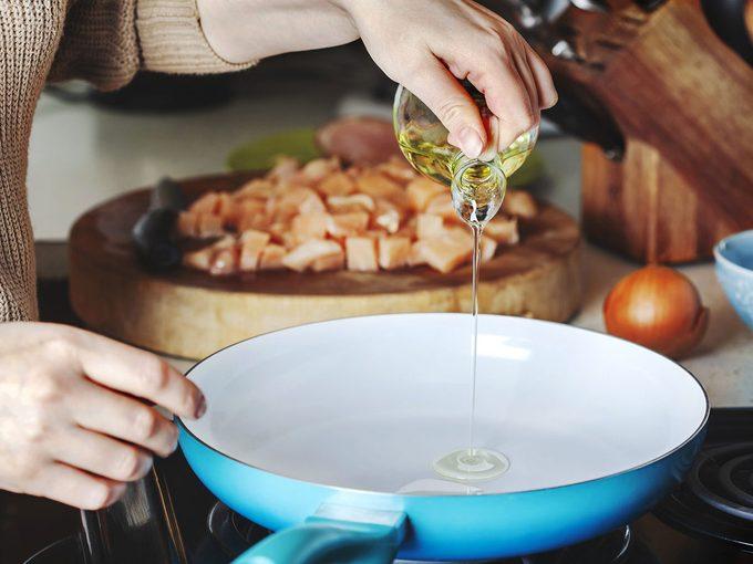 La différence entre l'huile d'avocat et l'huile d'olive.