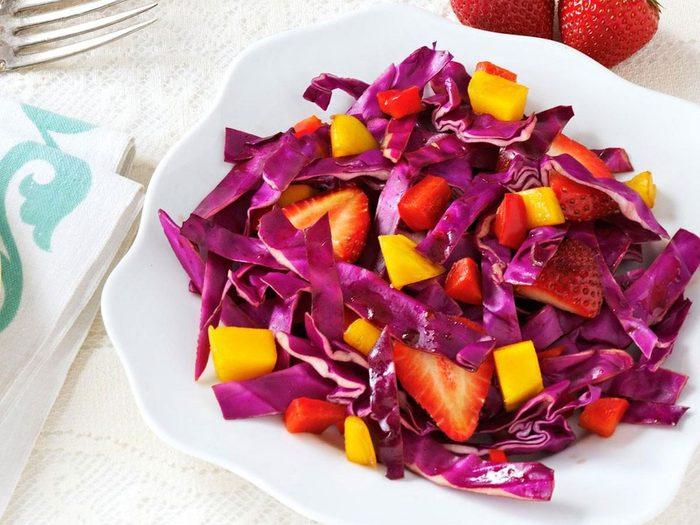 Délicieuse recette de salade «adorable»de chou rouge.
