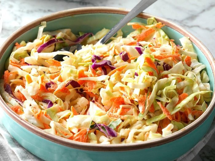 Recette de salade de chou hollandaise de Pennsylvanie.