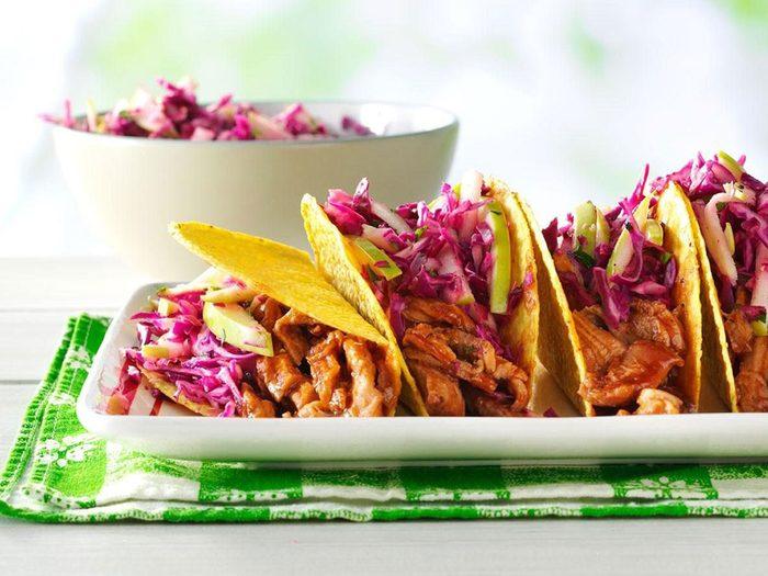 Recette de tacos au porc barbecue et pommes.