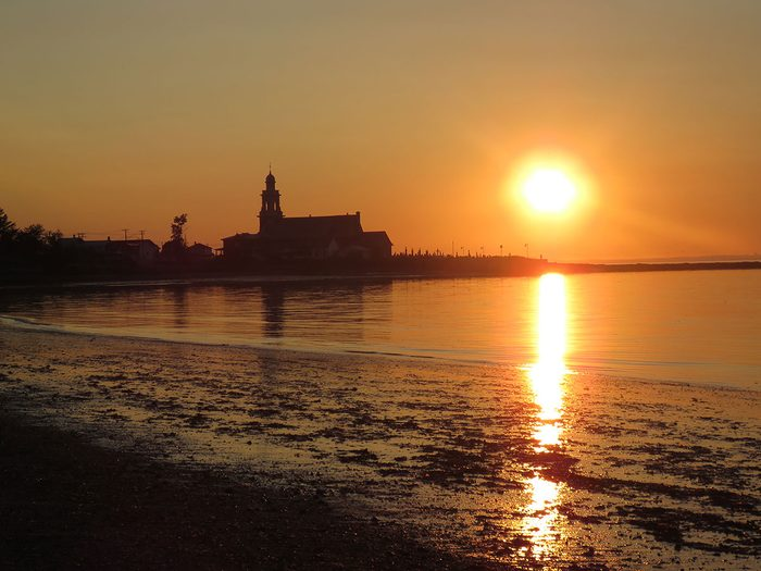Ce coucher de soleil est l'un des plus beaux souvenirs d'été d'Elza Roussel.